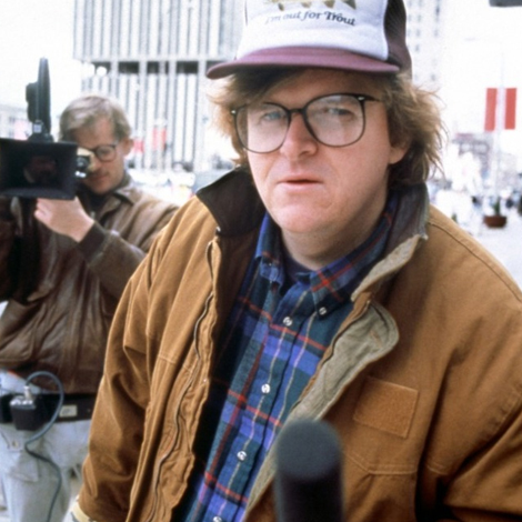 a review of the 1989 documentary roger me by michael moore