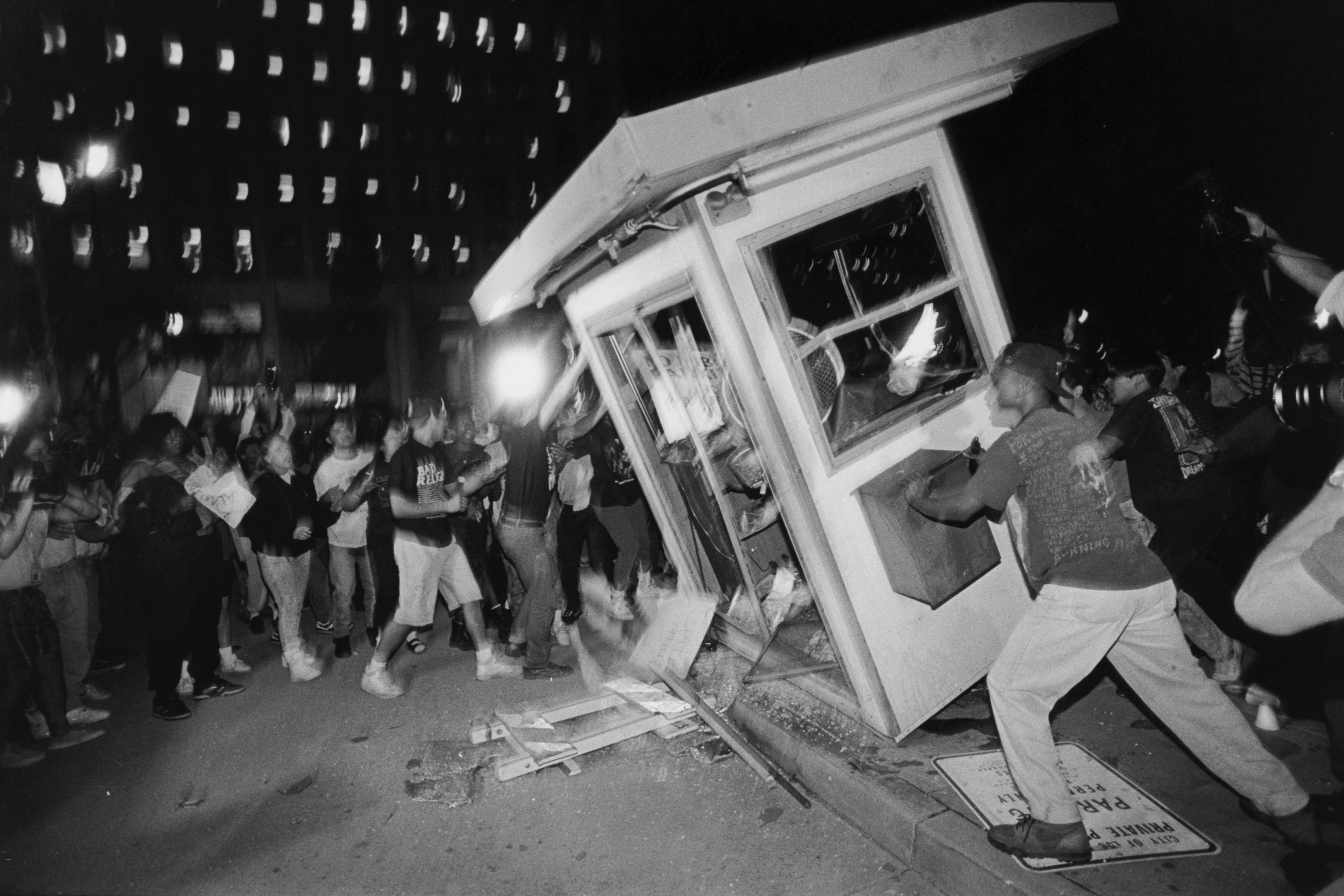 1992 los angeles race riots essay - the 1992 los angeles riots april 26th, 1992, there was a riot on the streets, tell me where were you you were sittin' home watchin' your tv, while i was paticipatin' in some anarchy first spot we hit it was my liquor store.